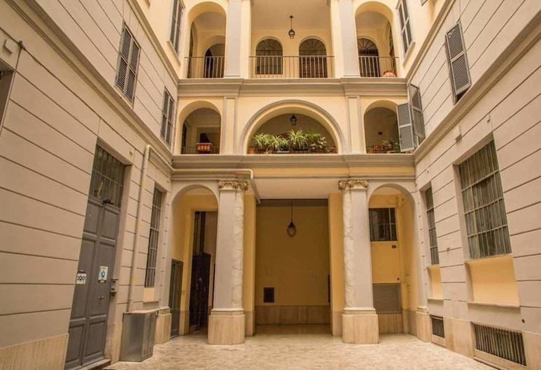Colosseo 2 Bedroom Walking Distance, Rome, Exterior
