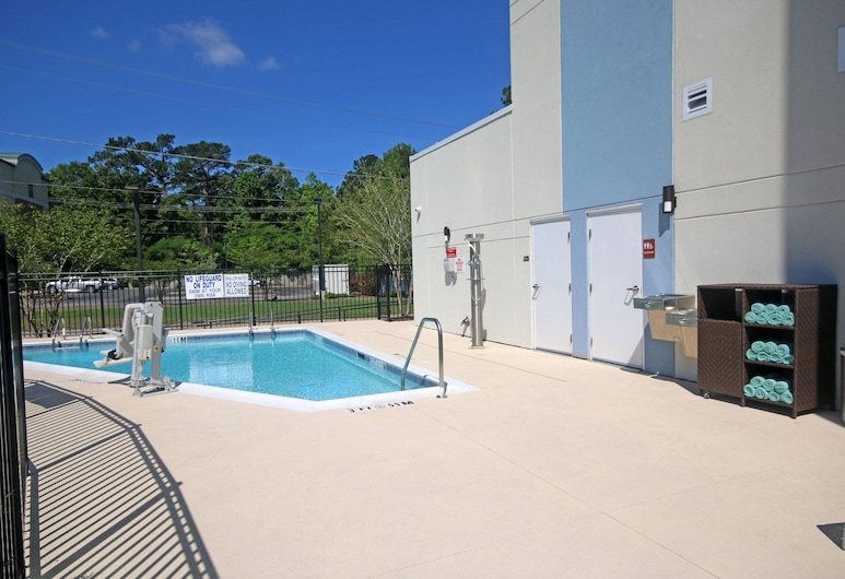 TownePlace Suites by Marriott Charleston-North Charleston, North Charleston, Pool