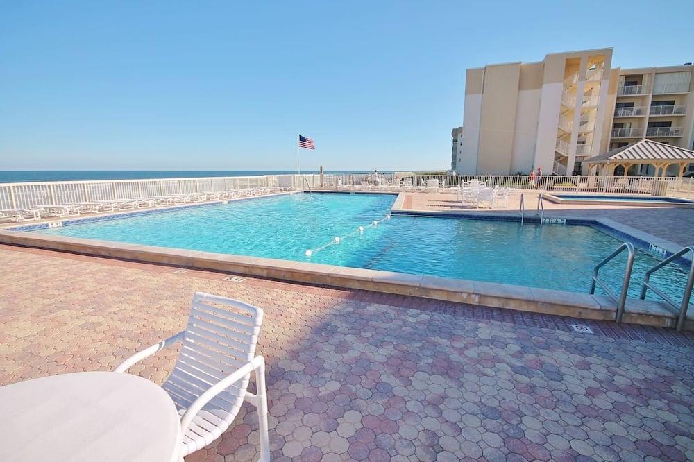 公寓 - 室外游泳池