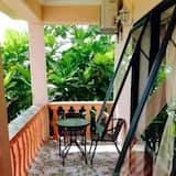Deluxe Double Room, 1 King Bed, Non Smoking - Balcony