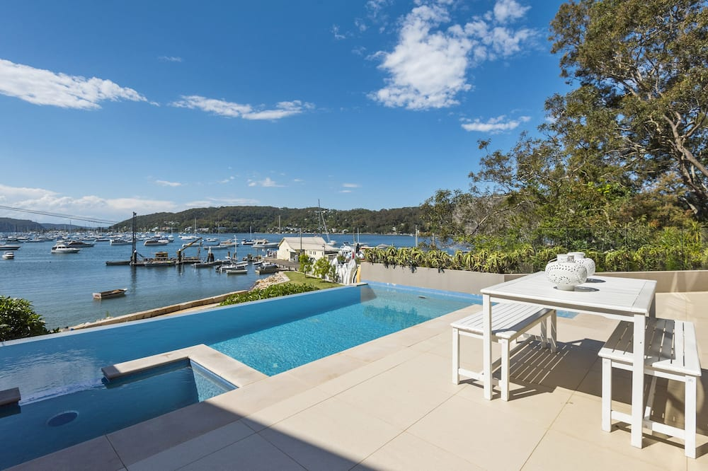 Avalon Careel Bay Waterfront 3B 2Bt Duplex Large Deck Exclusiv use Infinity Pool