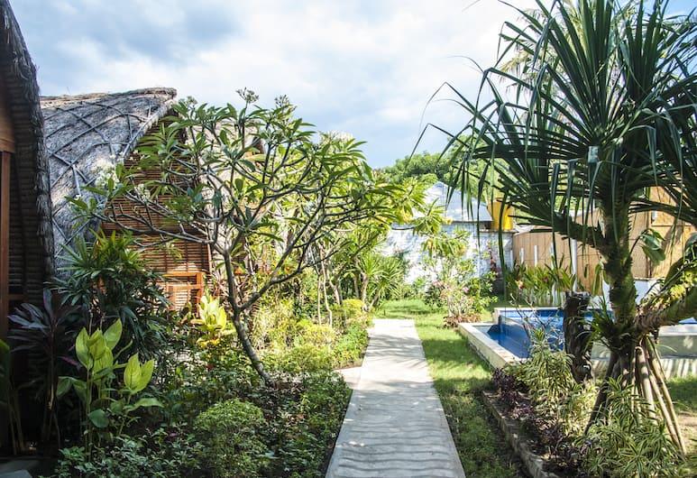 Cotton Tree Cottages, Gili Trawangan, Jardin