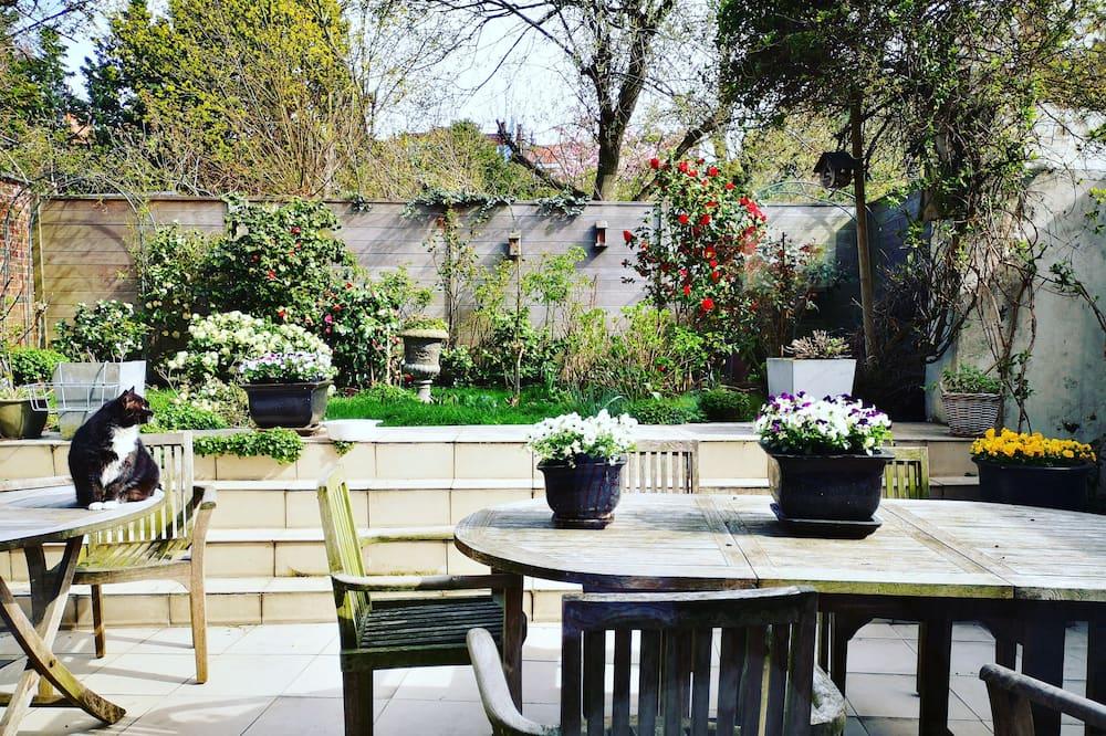 舒適客房, 1 張特大雙人床, 花園景觀 - 花園景觀