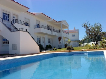 Fotografia do Apartment With 2 Bedrooms in Albufeira, With Wonderful Mountain View, Pool Access and Enclosed Garden - 2 km From the Beach em Albufeira