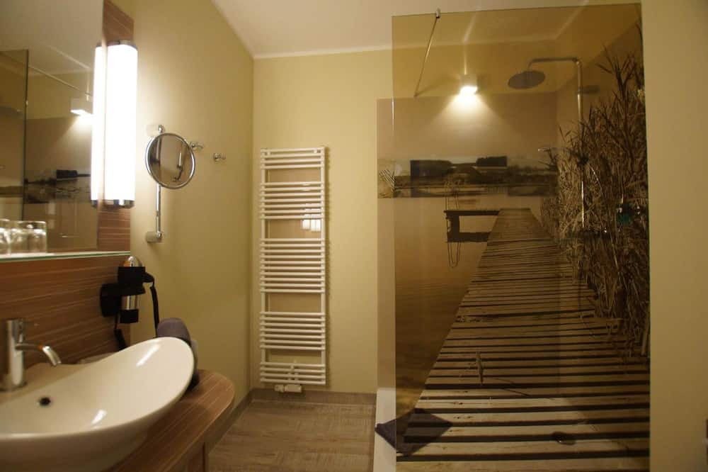 Doppelzimmer, Balkon, Seeblick - Badezimmer