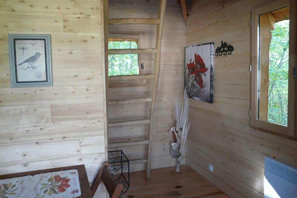 Cabin (Reveuse) - Khu phòng khách
