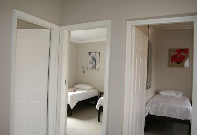 Lagoon Chalets, Уолфиш-Бей, Стандартный шале, 1 спальня, Номер