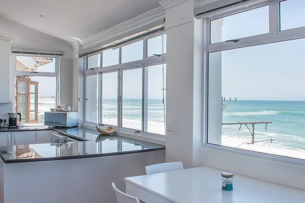 Panoramic Penthouse, Sea View (Oceanfront Penthouse) - Private kitchen