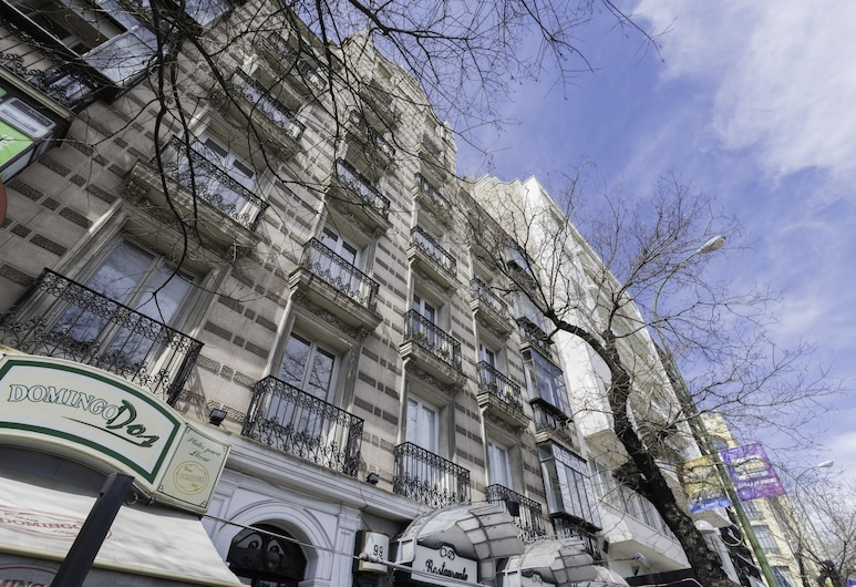 Home Club Alcalá III, Madrid, Front of property