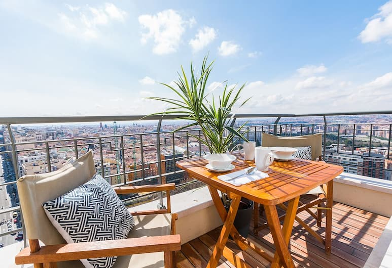 Home Club Torre Madrid Apartments, Madryt, Apartament, 1 sypialnia, 2 łazienki (Torre Madrid XLI), Balkon