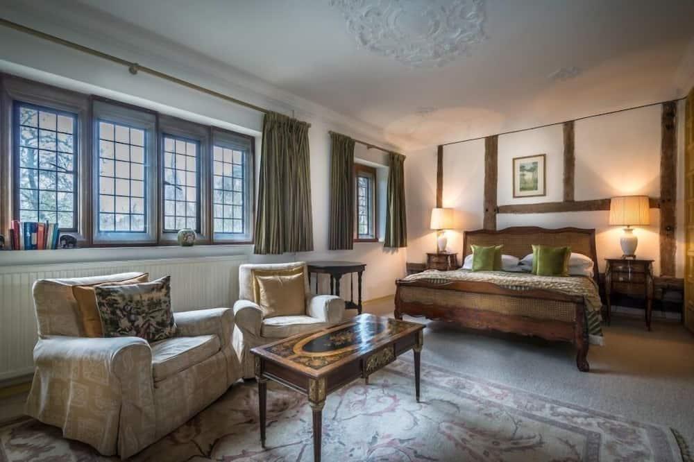 Classic Double Room, Garden View - Living Area