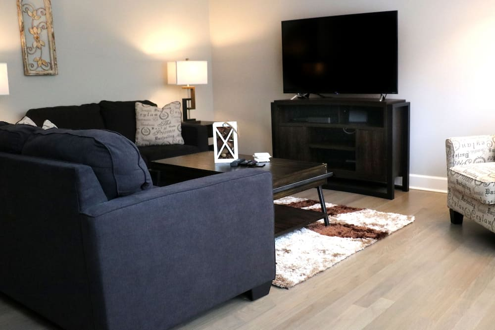 Panoramic Apartment, Multiple Beds - Living Room
