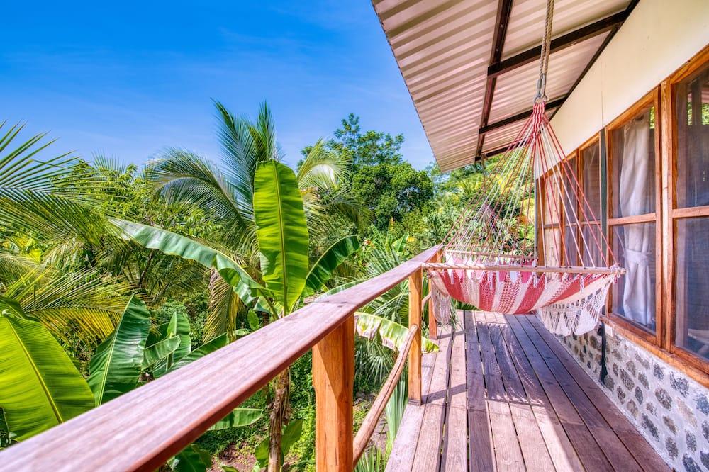 Comfort Loft, Lake View, Garden Area - Balcony