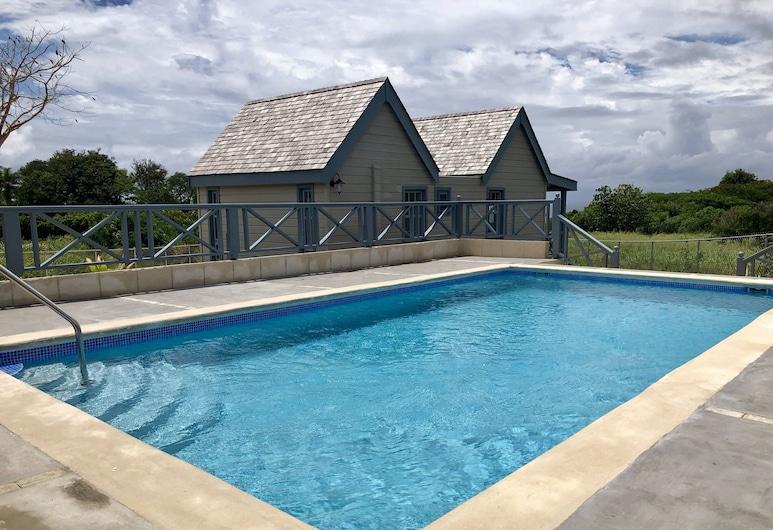 West Rock Luxury One Bedroom Villas with Ocean Views, הולטאון