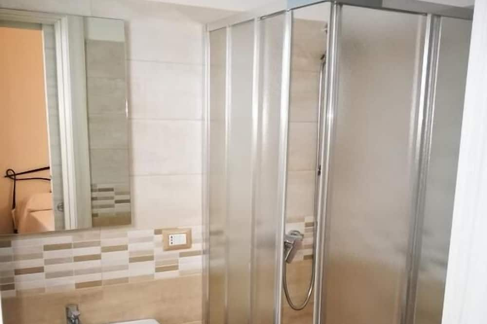 Double Room, 1 Queen Bed (Charming) - Bathroom