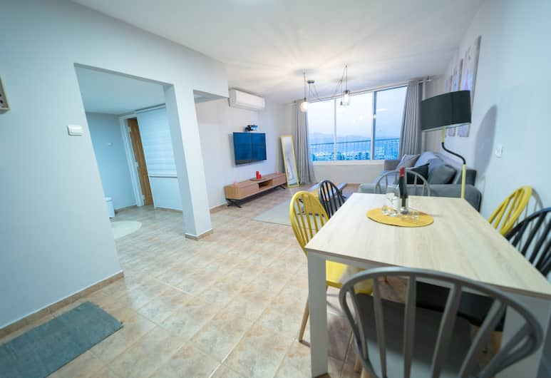 Sea View - 2 bedrooms, Eilat, Comfort Apartment, Non Smoking, Sea View, Living Area