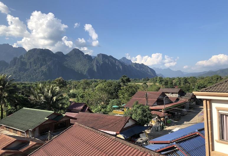 Jasmine Vangvieng Hotel, Vang Vieng, Pokój dwuosobowy typu Deluxe, widok na góry, Taras/patio