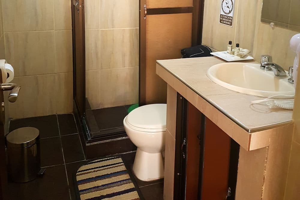 Family Room, 1 Bedroom, Non Smoking - Bathroom