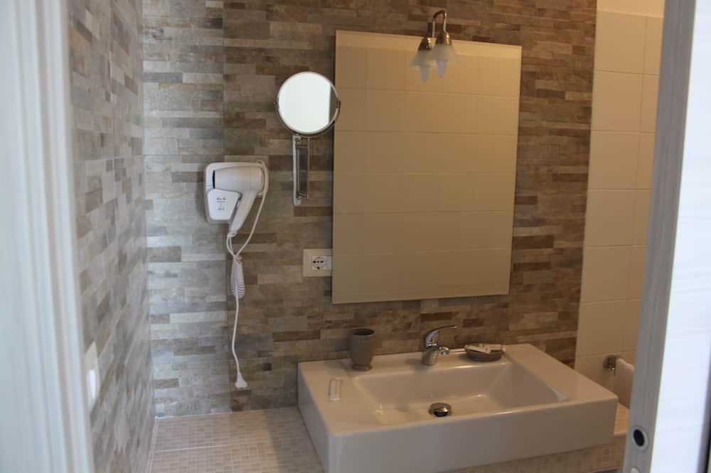 Δίκλινο Δωμάτιο (Double) (Trilly) - Μπάνιο