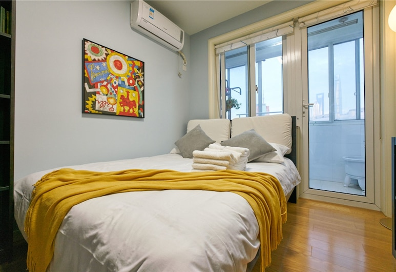 Once Warm- Centre of Nanjing Road, Shanghai, Three-Bedroom Apartment, Room