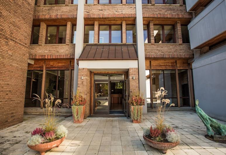 Hotel Wolski, Krakow, Hadapan Hotel