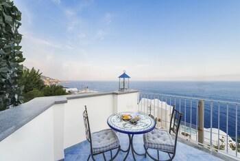 在普莱亚诺市的迪维娜阿玛菲海岸酒店照片