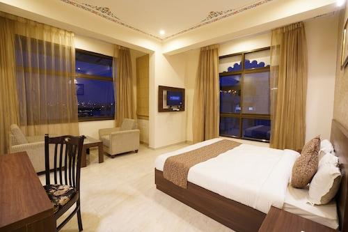 湖景宮殿飯店/