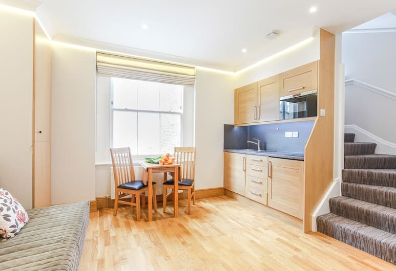 Cleveland Apartments, London, Apartment, 1 Double Bed with Sofa bed, Living Area