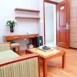 ห้องเอ็กเซกคิวทีฟ, เตียงคิงไซส์ 1 เตียง, อ่างอาบน้ำ, วิวเมือง - ห้องนั่งเล่น