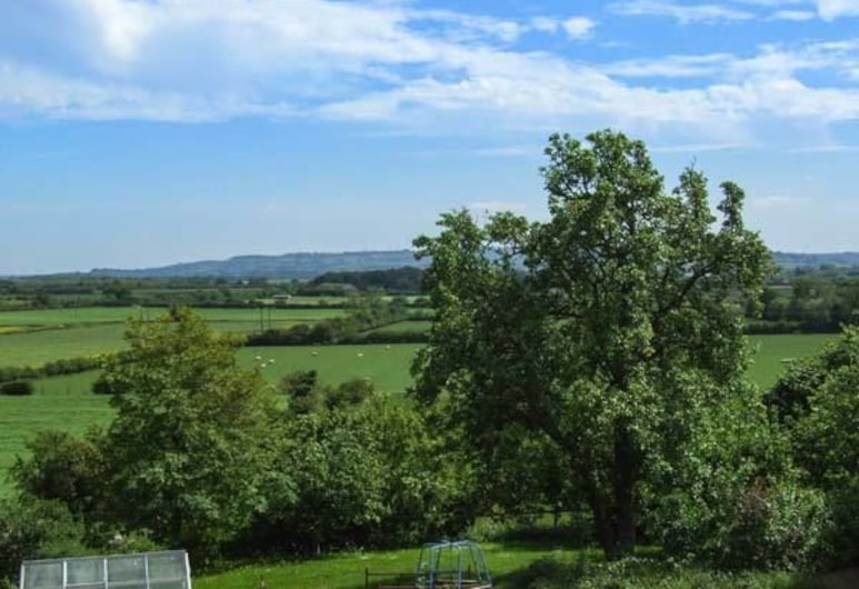 Cotswold View, Stratford-upon-Avon, Property Grounds