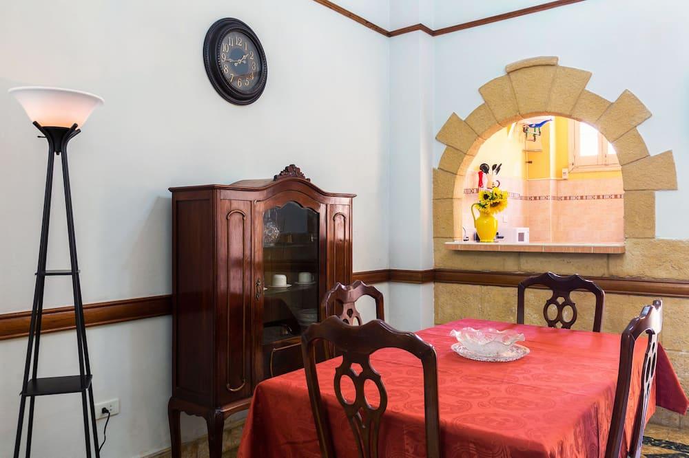 패밀리 아파트, 침실 2개, 금연 - 객실 내 다이닝
