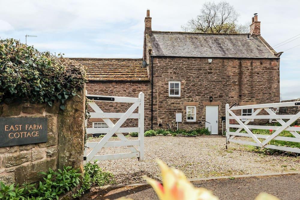 East Farmhouse Cottage
