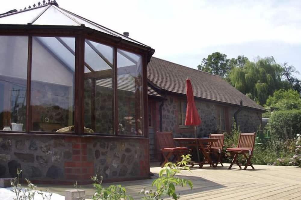 Cottage - Exterior
