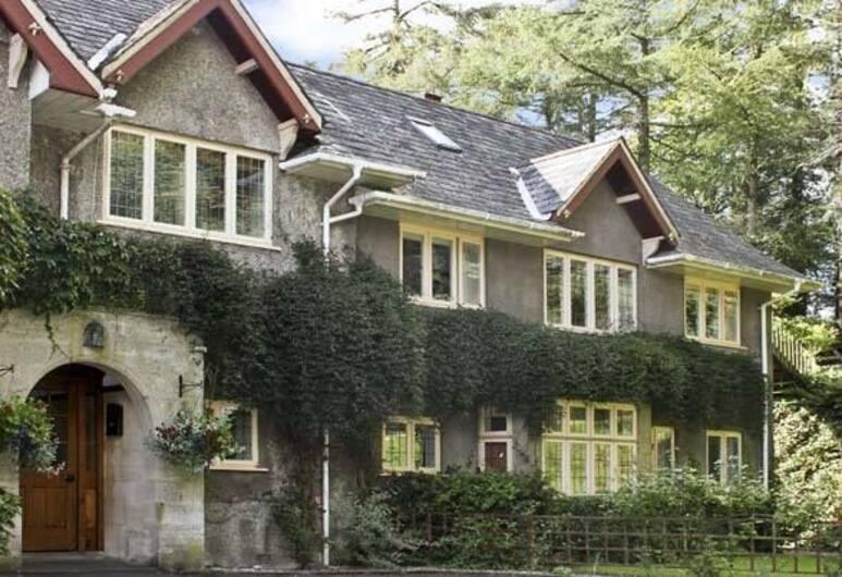Hunters Lodge, Tiverton