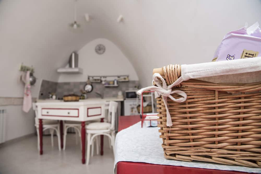 Double Room, 1 Bedroom, Kitchenette - Living Area