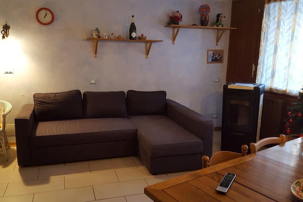 شقة عادية - ٣ غرف نوم - غرفة معيشة