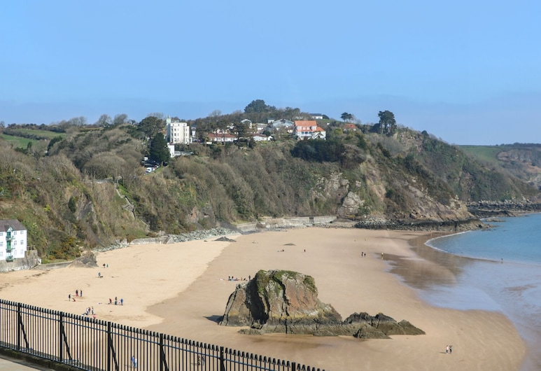 2 Beachtop Court Apartments, Tenby, Ferienhaus, Strand