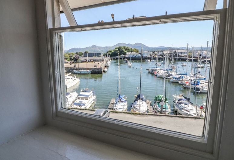 Cnicht View, Porthmadog, View from room