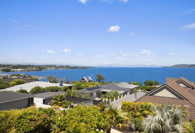 Lake View Luxury, Taupo, House, 5 Bedrooms, Ocean View, Lake View