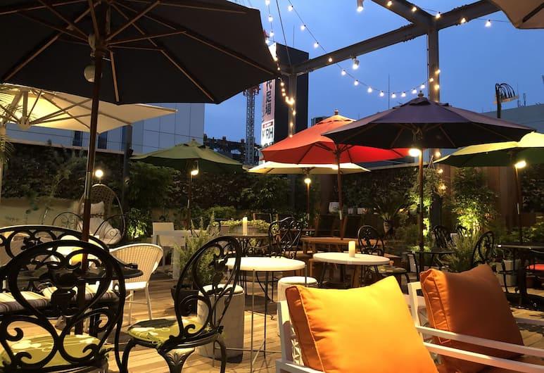 Albida Hotel Aoyama - Caters to Women, Tokió, Kert