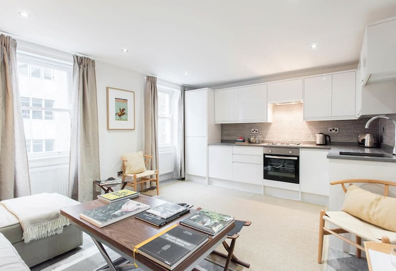 Windmill 3 bedrooms, London, Apartment, 3 Bedrooms, Living Area