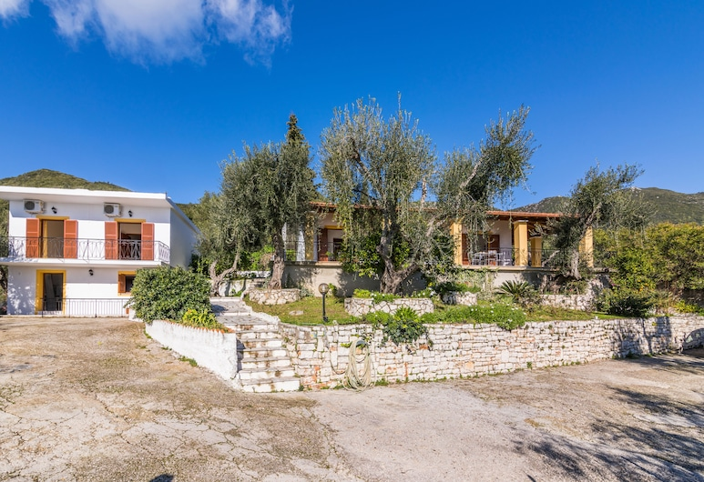 Ipsos Katerina Home Seaview 2-bedroom By Konnect, Corfu
