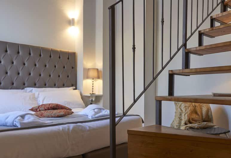 Panoramic Suites Cavour 34, Florens, Lägenhet Deluxe - flera sängar - utsikt mot staden (Duomo), Rum