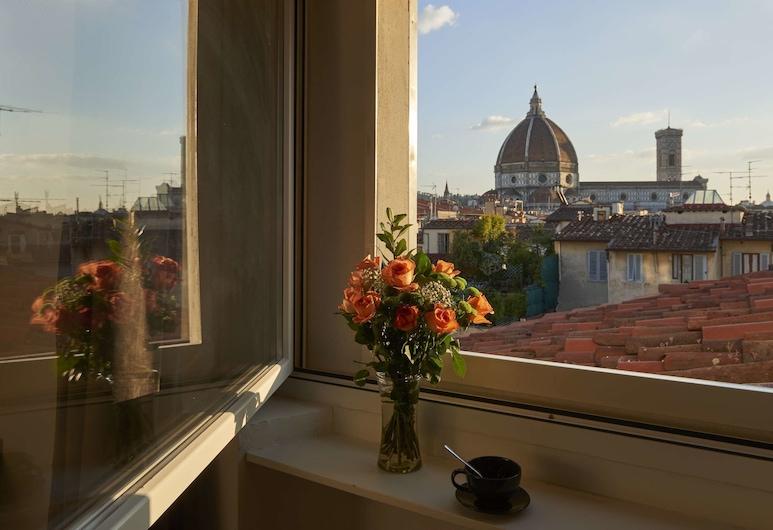 Panoramic Suites Cavour 34, Florencia, Apartmán typu Deluxe, viacero postelí, výhľad na mesto (Duomo), Výhľad z izby