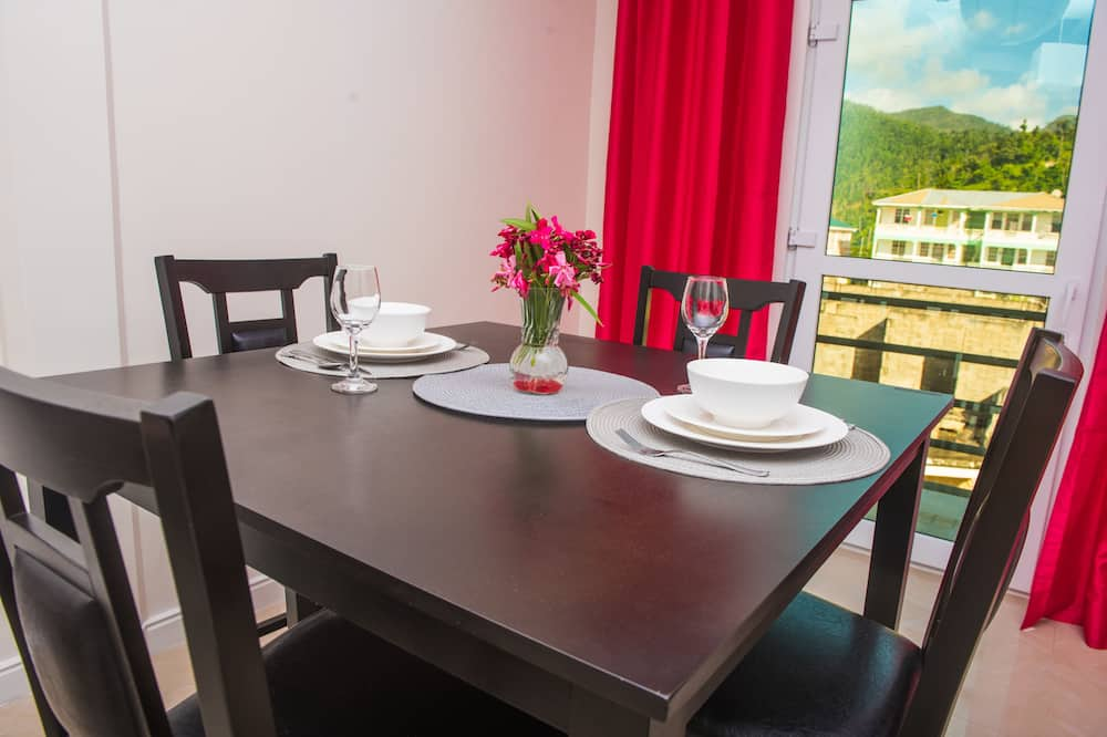 Comfort Apartment, Non Smoking - In-Room Dining