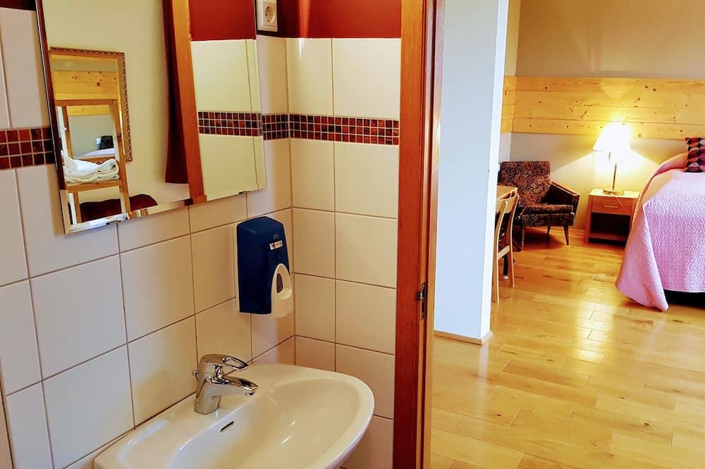 Luksusa ģimenes numurs, privāta vannasistaba - Vannasistaba
