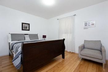 A(z) Racpanos Modern Stay on Ocean Avenue hotel fényképe itt: Jersey City