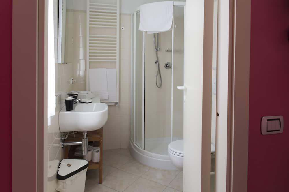 Superior-Zimmer, 1Queen-Bett und Schlafsofa, Nichtraucher - Badezimmer