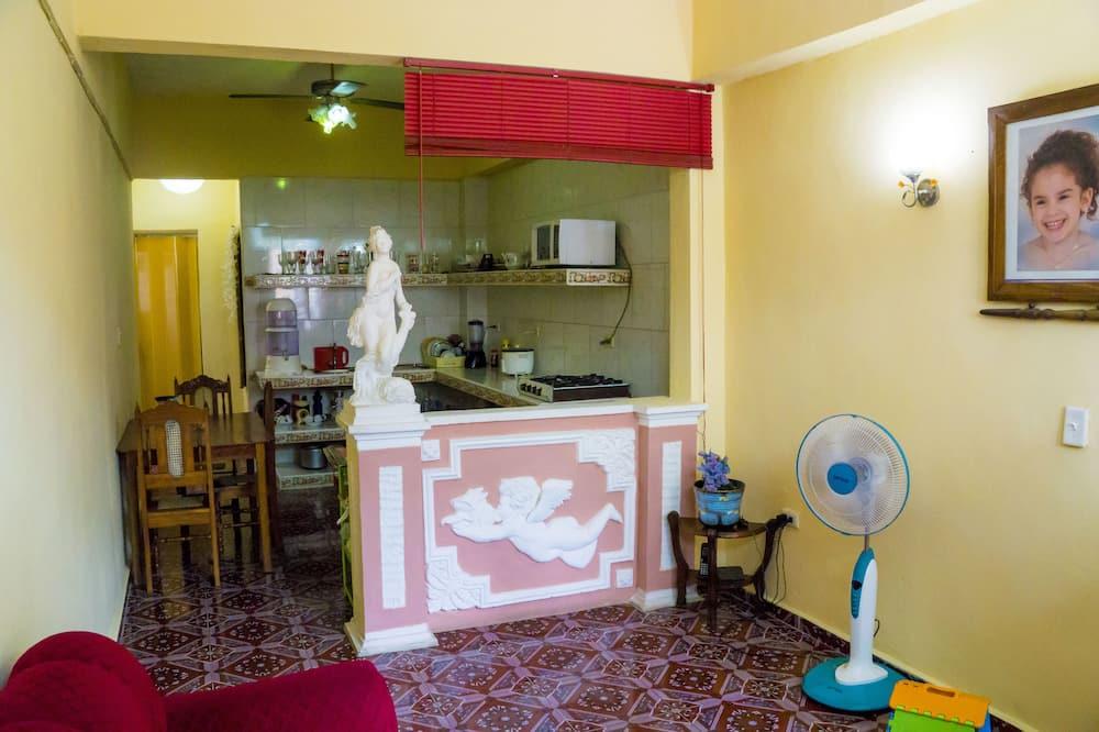 Economy Double Room, Non Smoking - Shared kitchen