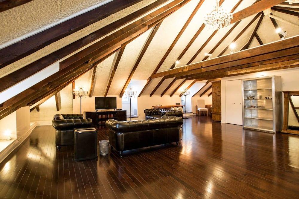 Luxury Villa, Multiple Beds, Non Smoking - Living Room
